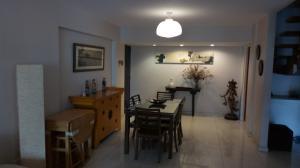 Apartamento En Venta En Caracas - Los Palos Grandes Código FLEX: 18-1577 No.3