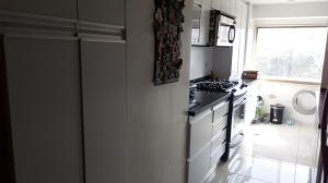 Apartamento En Venta En Caracas - Los Palos Grandes Código FLEX: 18-1577 No.5