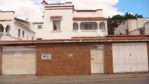 Casa En Ventaen Caracas, El Paraiso, Venezuela, VE RAH: 18-1607