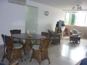 Apartamento En Venta En Maracay - El Limon Código FLEX: 18-1611 No.2