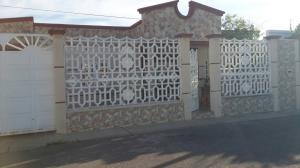 Casa En Ventaen Punto Fijo, Santa Irene, Venezuela, VE RAH: 18-1620