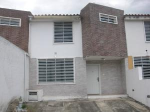 Townhouse En Ventaen Charallave, Mata Linda, Venezuela, VE RAH: 18-2068