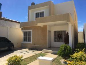 Casa En Ventaen Punto Fijo, Puerta Maraven, Venezuela, VE RAH: 18-232