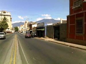 En Venta En Maracay - Avenida 19 de Abril Código FLEX: 18-172 No.1