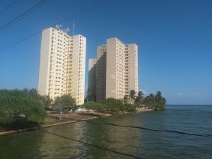 Apartamento En Ventaen Maracaibo, Lago Mar Beach, Venezuela, VE RAH: 18-1681