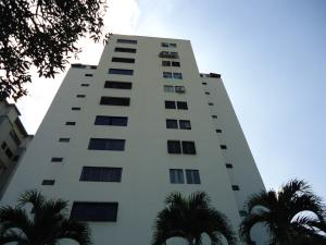 Apartamento En Ventaen Valencia, Valles De Camoruco, Venezuela, VE RAH: 18-1700