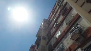 Apartamento En Ventaen Municipio Los Guayos, Paraparal, Venezuela, VE RAH: 18-1720