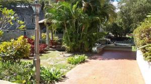 Casa En Alquiler En Caracas - Lomas del Mirador Código FLEX: 18-1766 No.1