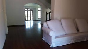Casa En Alquiler En Caracas - Lomas del Mirador Código FLEX: 18-1766 No.3