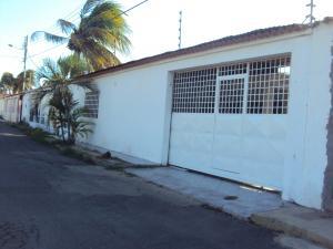 Casa En Ventaen Coro, Sector Los Perozos, Venezuela, VE RAH: 18-1750