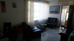 En Venta En Caracas - Caricuao Código FLEX: 18-1757 No.2