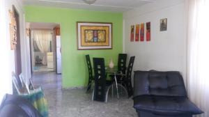 En Venta En Caracas - Caricuao Código FLEX: 18-1757 No.1