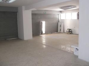 Local Comercial En Venta En Caracas - La Urbina Código FLEX: 18-1828 No.1