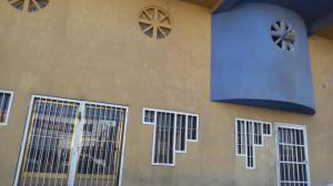 Local Comercial En Ventaen Punto Fijo, Puerta Maraven, Venezuela, VE RAH: 18-1851