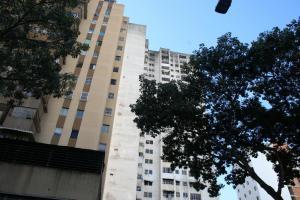 Apartamento En Venta En Caracas - Parroquia Santa Teresa Código FLEX: 18-2032 No.1