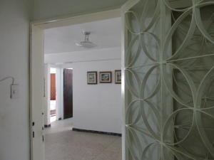 Apartamento En Venta En Caracas - Parroquia Santa Teresa Código FLEX: 18-2032 No.2