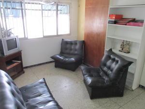 Apartamento En Venta En Caracas - Parroquia Santa Teresa Código FLEX: 18-2032 No.6