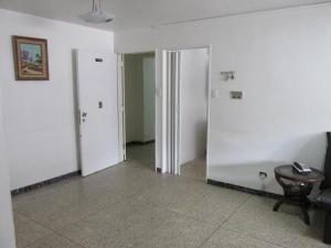 Apartamento En Venta En Caracas - Parroquia Santa Teresa Código FLEX: 18-2032 No.7