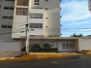 Apartamento En Ventaen Maracaibo, La Lago, Venezuela, VE RAH: 18-1932