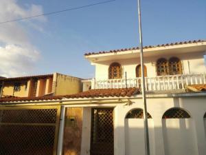 Casa En Ventaen Barquisimeto, Club Hipico Las Trinitarias, Venezuela, VE RAH: 18-1948