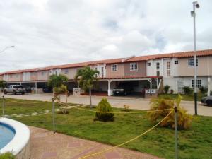 Townhouse En Ventaen Margarita, Avenida Juan Bautista Arismendi, Venezuela, VE RAH: 18-1986