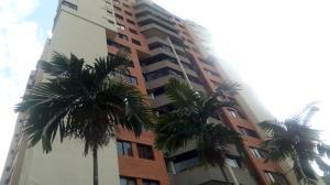 Apartamento En Ventaen Valencia, Los Mangos, Venezuela, VE RAH: 18-2218