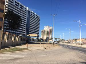 Apartamento En Ventaen Lecheria, Boulevard Playa Lido, Venezuela, VE RAH: 18-2020
