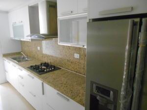 Apartamento En Venta En Caracas - Colinas de La Tahona Código FLEX: 18-2149 No.2