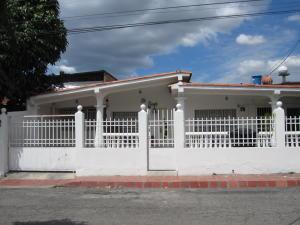 Casa En Ventaen Maracay, Los Samanes, Venezuela, VE RAH: 18-2072