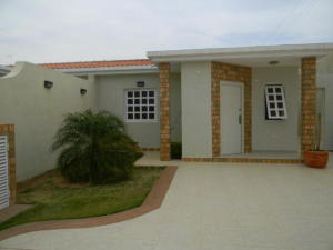 Casa En Ventaen Punto Fijo, Puerta Maraven, Venezuela, VE RAH: 18-2088