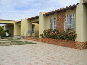 Casa En Ventaen Punto Fijo, Santa Fe, Venezuela, VE RAH: 18-2118