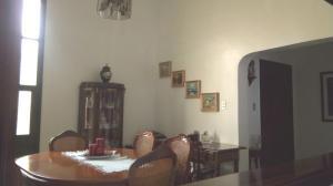 Casa En Venta En Valencia En Las Chimeneas - Código: 18-2146