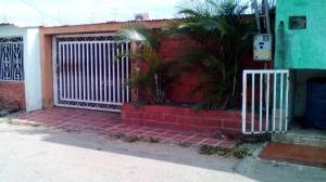 Casa En Ventaen Cabimas, Zulia, Venezuela, VE RAH: 18-2275