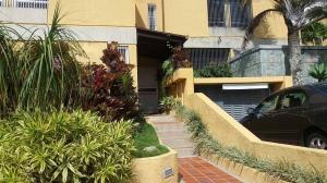 Townhouse En Ventaen Caracas, Los Naranjos Del Cafetal, Venezuela, VE RAH: 18-2259