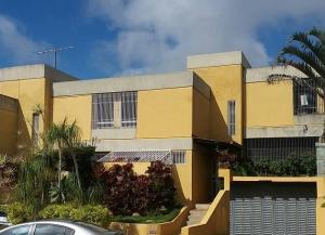 Townhouse En Venta En Caracas - Los Naranjos del Cafetal Código FLEX: 18-2259 No.1