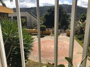 Townhouse En Venta En Caracas - Los Naranjos del Cafetal Código FLEX: 18-2259 No.5