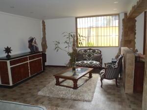 Casa En Venta En Caracas - Los Naranjos del Cafetal Código FLEX: 18-2010 No.5
