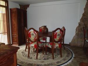 Casa En Venta En Caracas - Los Naranjos del Cafetal Código FLEX: 18-2010 No.6