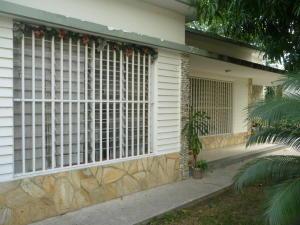 Casa En Ventaen Maracay, Barrio Sucre, Venezuela, VE RAH: 18-2490