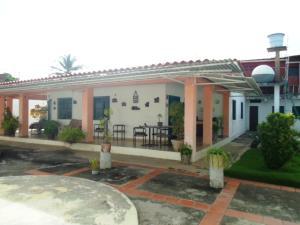 Casa En Ventaen Margarita, El Valle, Venezuela, VE RAH: 18-2474