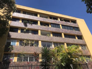 Apartamento En Ventaen Caracas, Cumbres De Curumo, Venezuela, VE RAH: 18-2334