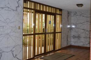 En Venta En Caracas - Terrazas del Avila Código FLEX: 18-2439 No.3