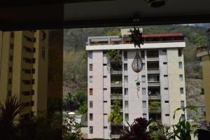 En Venta En Caracas - Terrazas del Avila Código FLEX: 18-2439 No.17