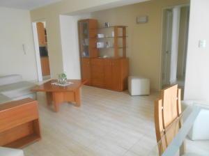 Apartamento En Venta En Caracas - La Urbina Código FLEX: 18-2476 No.2