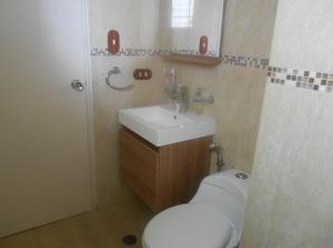 Apartamento En Venta En Caracas - La Urbina Código FLEX: 18-2476 No.8