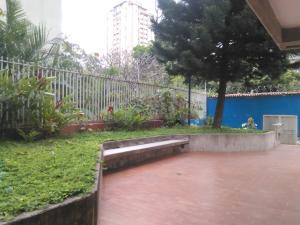 Apartamento En Venta En Caracas - La Urbina Código FLEX: 18-2476 No.11