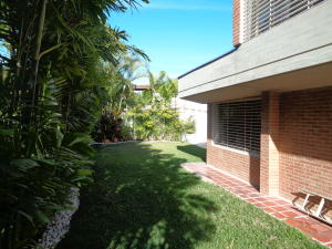 Casa En Venta En Caracas - Macaracuay Código FLEX: 18-2603 No.1