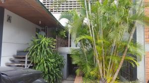 Apartamento En Venta En Caracas - Chuao Código FLEX: 18-2609 No.1