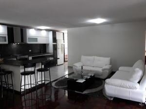 Apartamento En Venta En Caracas - Prado Humboldt Código FLEX: 18-2667 No.2