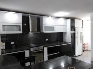 Apartamento En Venta En Caracas - Prado Humboldt Código FLEX: 18-2667 No.4